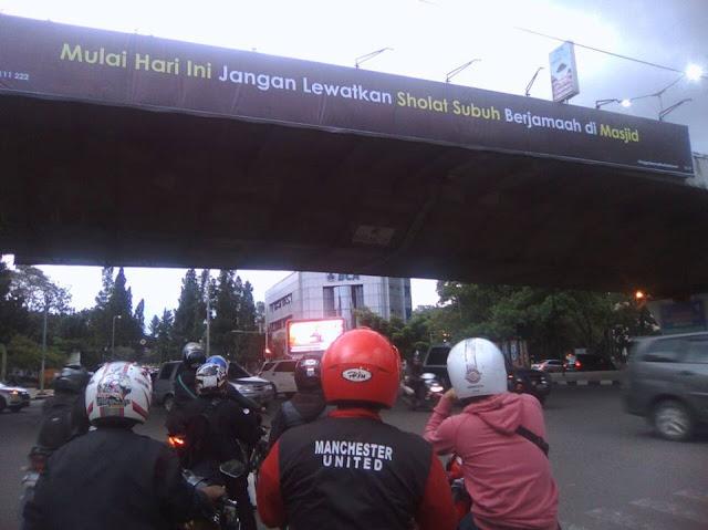 """Heboh Reklame """"Misterius"""" di Bandung"""
