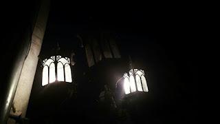Puisi tentang Malam: Malam Datang Bersimbah Resah