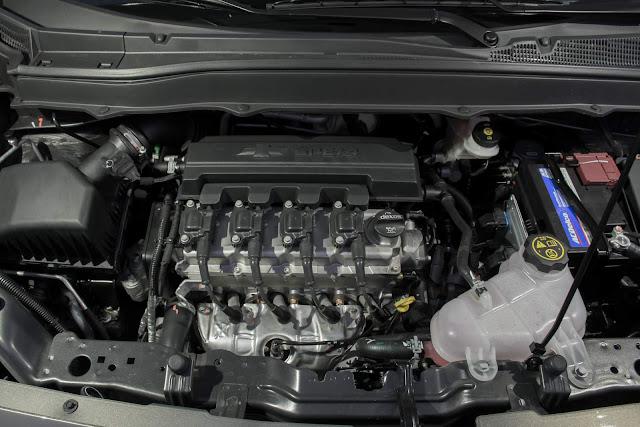 Novo Chevrolet Spin 2017 - motor 1.8 ECO