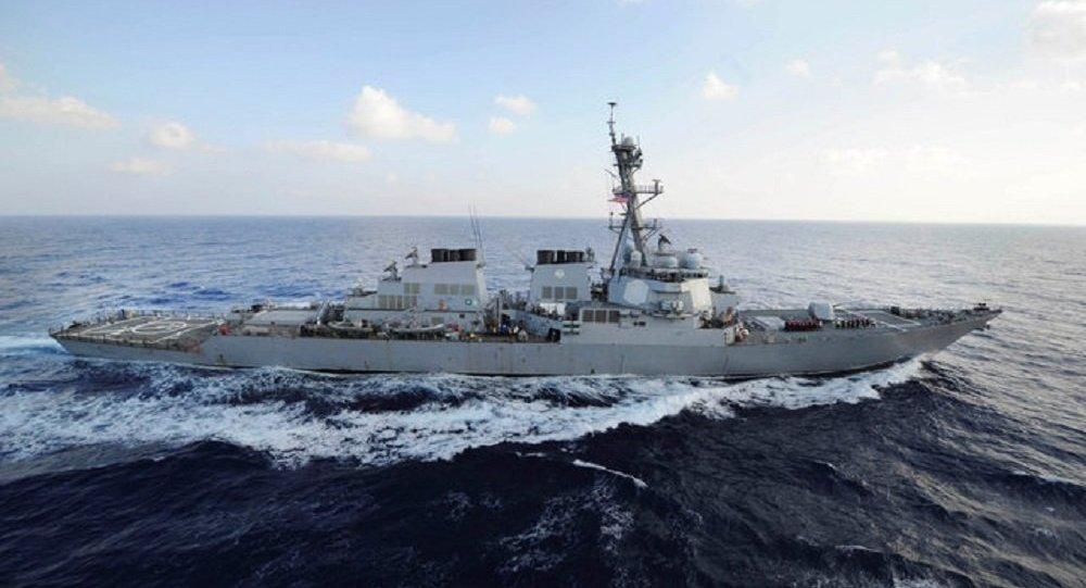 """أمريكا ترسل المدمرة """"يو إس إس ميسون"""" إلى خليج عمان بعد تدمير ناقلتي النفط"""