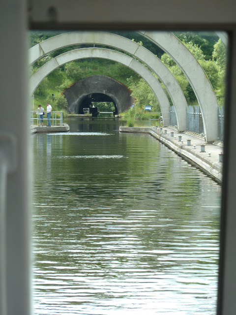 Excursion Falkirk Wheel cruse ship cunard cruise around Britain