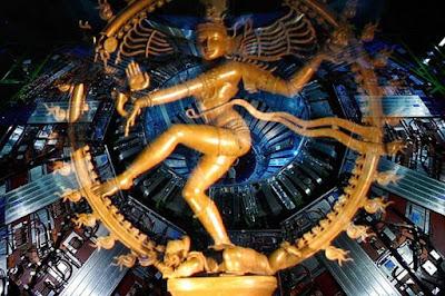 Patung Shiva dengan tarian Nataraja
