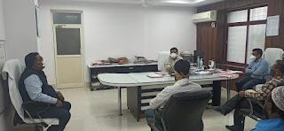 पावरलूम बुनकर समिति ने कलेक्टर और विधायक को सौंपा ज्ञापन