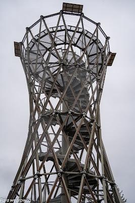 Wieża widokowa na Borowej w zbliżeniu
