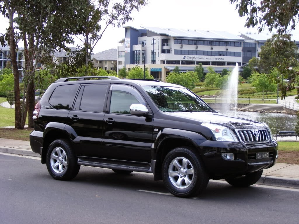 2014 Toyota Land Cruiser Prado - Prices, Features, Wallpapers.