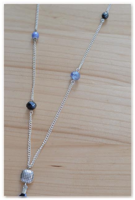 perles nacrée et perles à facettes sautoir noir et bleu