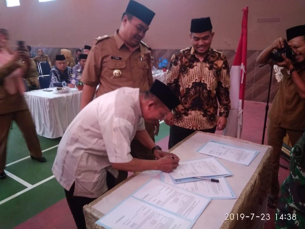 Enam Desa Di Kecamatan Kosambi Melangsungkan Sertijab dari Kepala Desa Lama Ke PJS