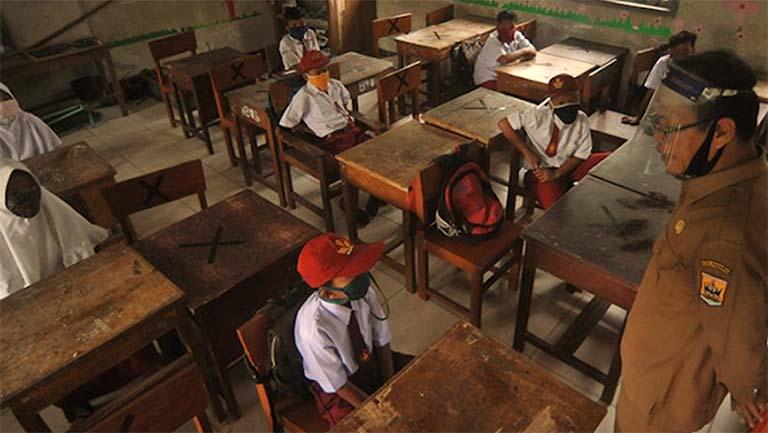 Kualitas Belajar Siswa Ditentukan Oleh Kualitas Kepala Sekolah Dan Guru