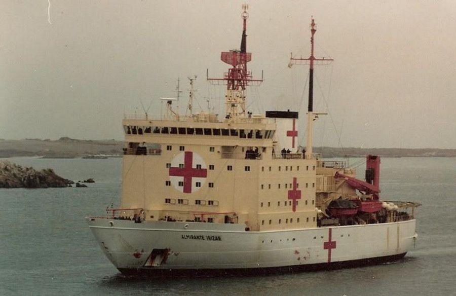 Barco hospital usado para internación de heridos en combate