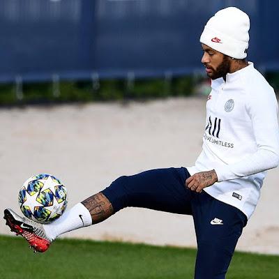👀 #Neymar back in Paris training 🙌...#messi