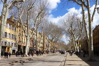 El boulevard Cours Mirebeau, Aix en Provence.
