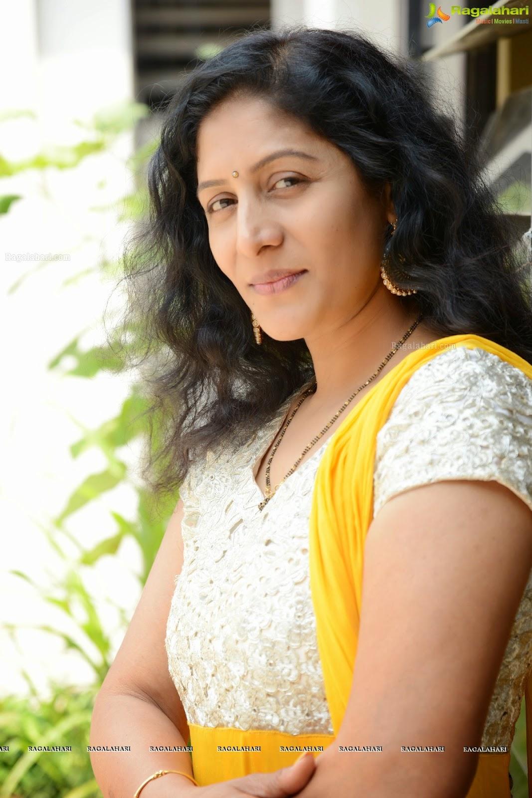 Jayalakshmi Telugu Actres Thunder
