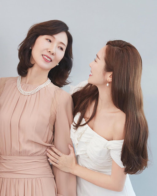 Jessica Jung and her Mother