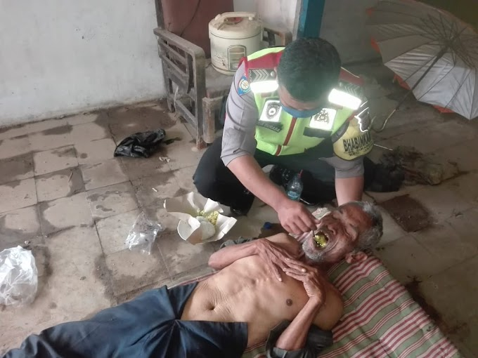 Empat Hari Tidak Makan Kakek Nurhasan Warga Sukaraja Wetan Hidup Sebatang Kara, Diberi Makan Oleh Bhabinkamtibmas Polsek Jatiwangi