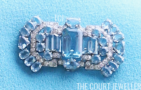 The Queen Mother S Aquamarine Art Deco Brooch The Court - Queen Mother S Art Deco Bandeau Tiara