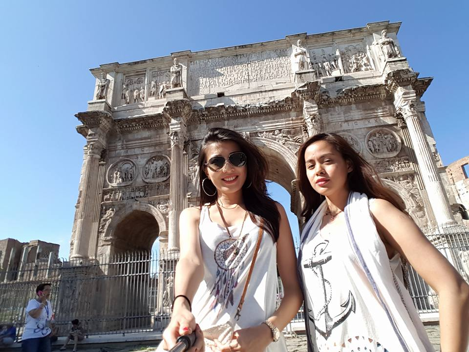 Moe Set Wine Vacation In Rome