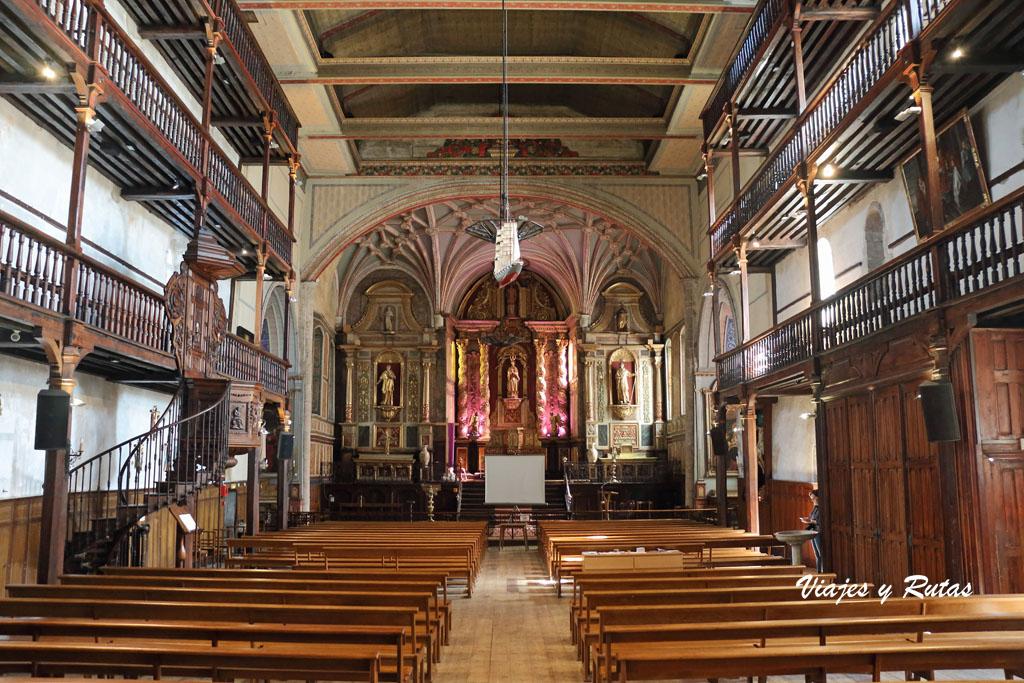 Interior de la Iglesia de San Vicente, Cibourne, San Juan de Luz