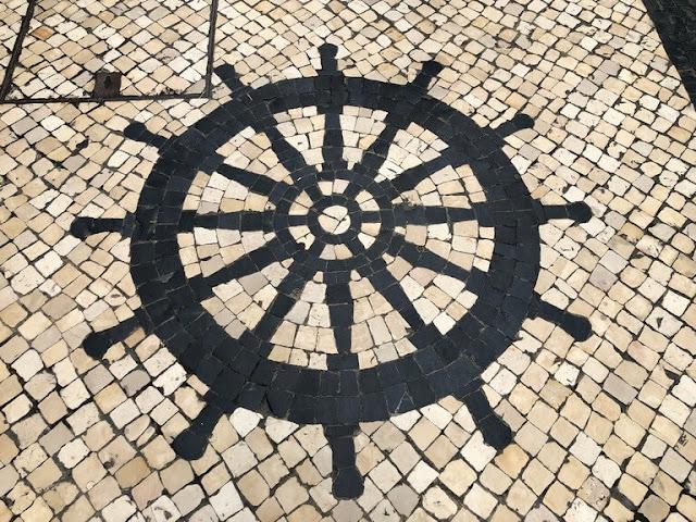 Calçada portuguesa nas ruas de Macau