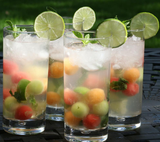 MELON BALL MOJITOS #mojitos #drink #melon #cocktail #party