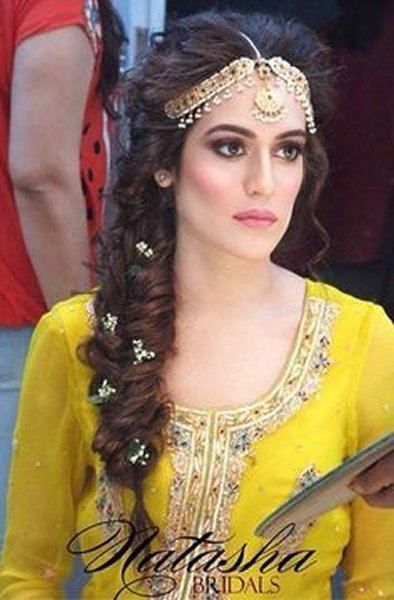 I Mehndi Hairstyles Dailymotion : Easy hairstyles for your mehndi ceremony bling sparkle