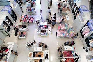 komercjalizacja lokalu handlowego to o wiele łatwiejsze zadanie niż komercjalizacja całego centrum