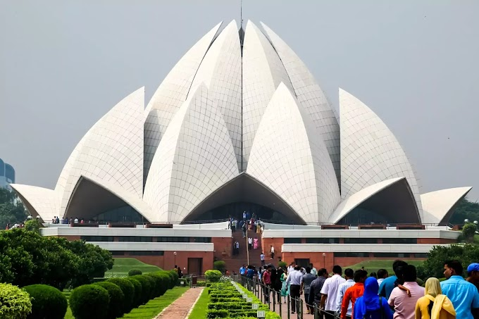 Lotus Temple Delhi's Growing Tourist Places History, Establishment, Structure, and Interesting Facts of the Temple.