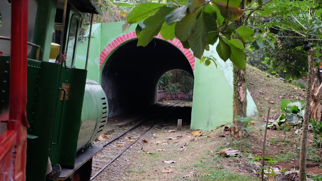 Kereta Api Mini TMII Wahana Asik di TMII