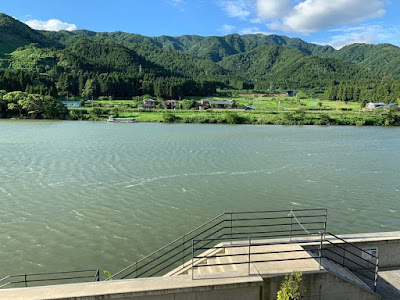 碧水荘 部屋から見る阿賀野川