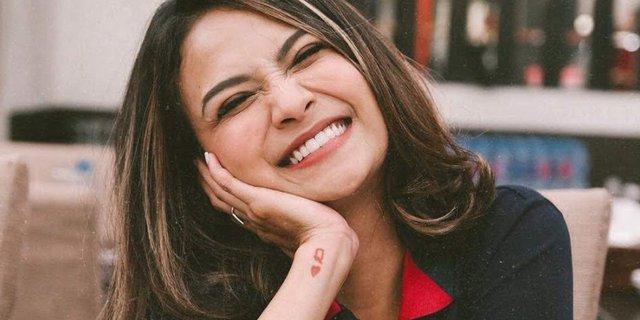 Selamat! Vanessa Angel Melahirkan Anak Pertama