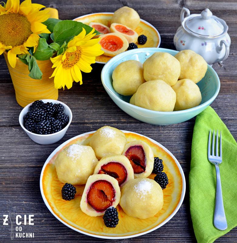 knedle ze sliwkami, knedle z morelami, knedle, knedle z owocami, przepis na knedle, najlepsze knedle, zycie od kuchni