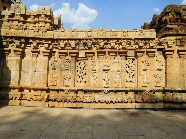 The decorative wall connecting the two spires of the Bhoga Nandeeshwara Temple, Karnataka