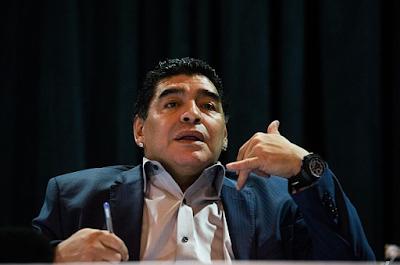 Morre aos 60 anos, Diego Maradona após parada cardiorespiratória
