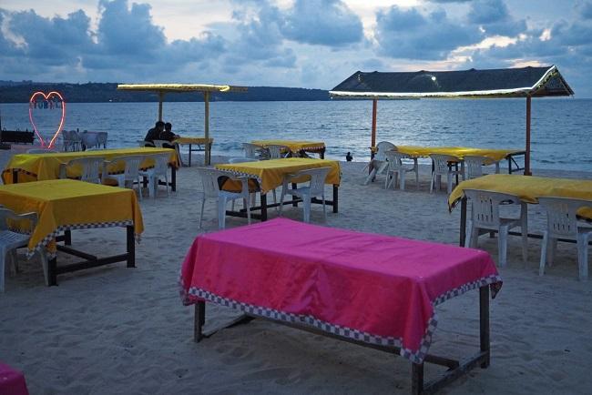 Parawisata Bali menjadi sepi dianggap karena corona dan anggapan menolak wisata halal.