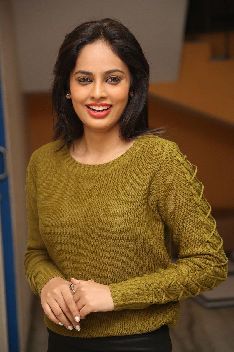 Actress NandithaSwetha Latest HD Images