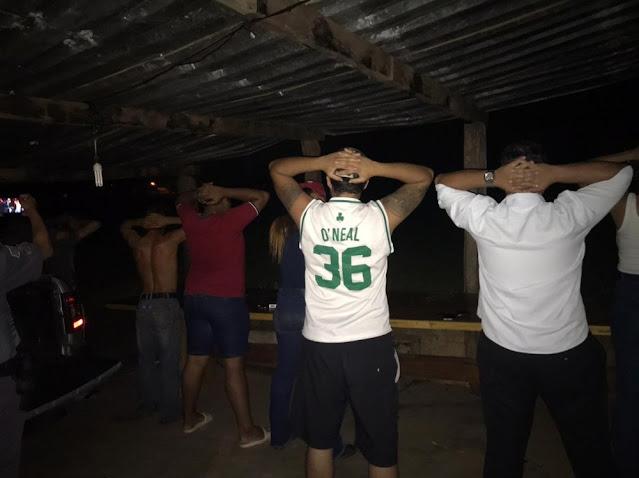 Após denúncia, Vigilância Sanitária flagra festa clandestina em chácara no Ana Jacinta, em Presidente Prudente