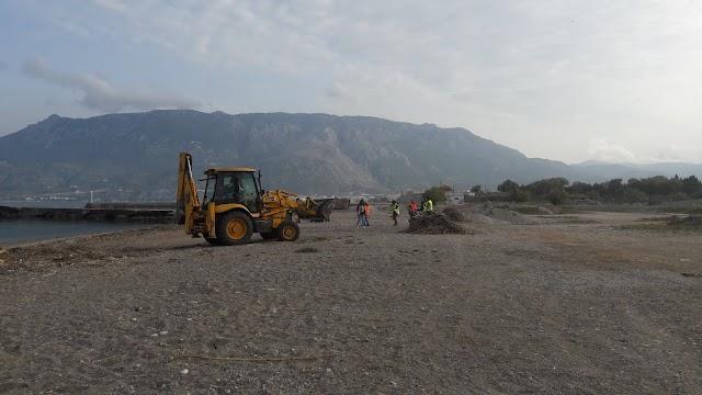 Kαθάρισαν την παραλία της Ποσειδωνίας Κορίνθου (φώτο)