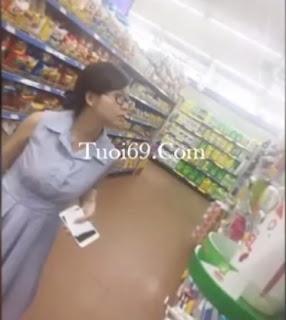 Clip: Quay lén trong siêu thị, lộ chip rồi em ơi :))