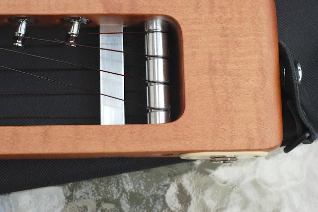 Risa Uke Solid ukulele string guide bar