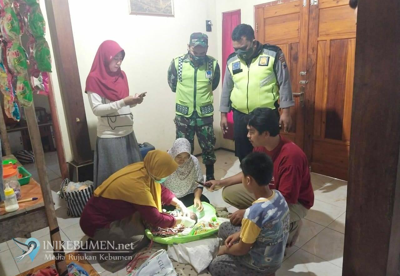 Miris! Bayi Laki-laki Baru Lahir Dibuang di Warung Kopi JJLS Tanggulangin Klirong