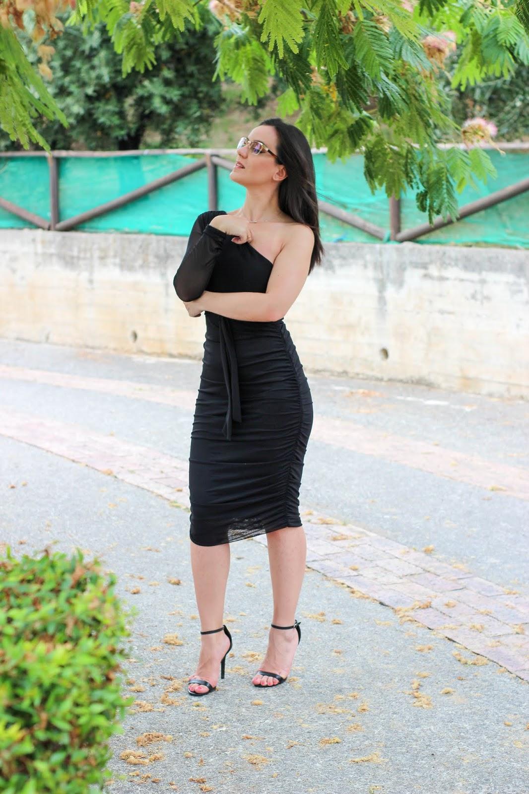 elegante vestito nero