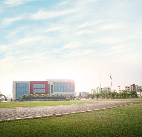 الجامعة الأمريكية في رأس الخيمة تحصل على اعتماد مجلس الاعتماد الأمريكي للهندسة والتكنولوجيا لثلاثة برامج جامعية لديها