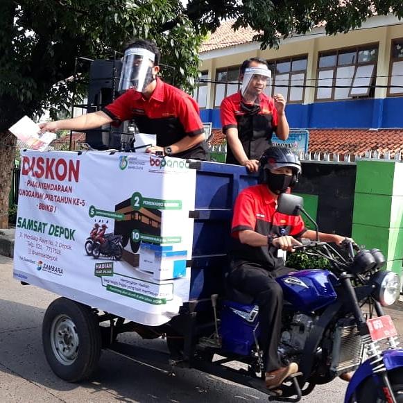 Tim Woro-Woro Samsat Depok Ajak Warga Manfaatkan Triple Untung