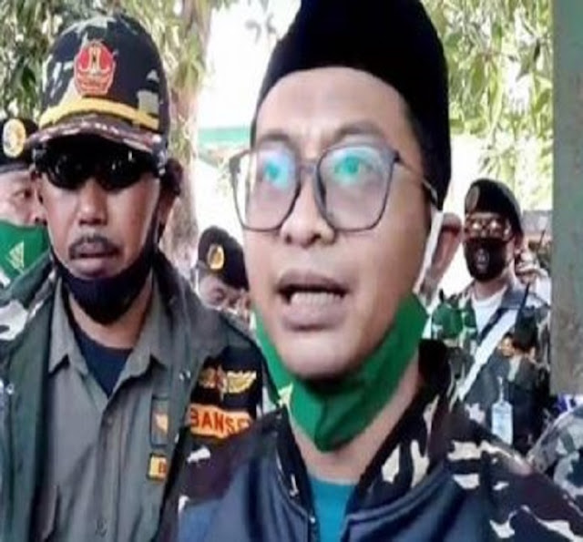 Banser Marah Ulama NU Dihina, Gambar Jokowi Dicoret-coret, Diberi Kumis