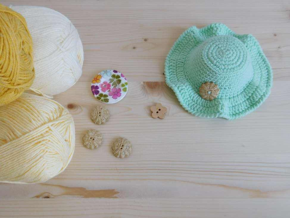 Doll sun hat crochet pattern