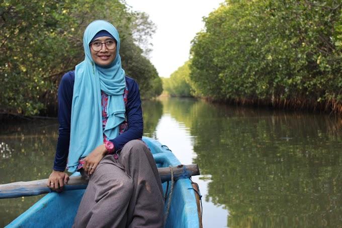Harapan Menyusuri dan Menanam Mangrove di Teluk Bintuni Papua
