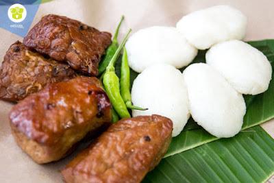 10 Kuliner Makanan Khas Sleman, Yogyakarta Yang Wajib Anda Nikmati - Jadah tempe Sleman