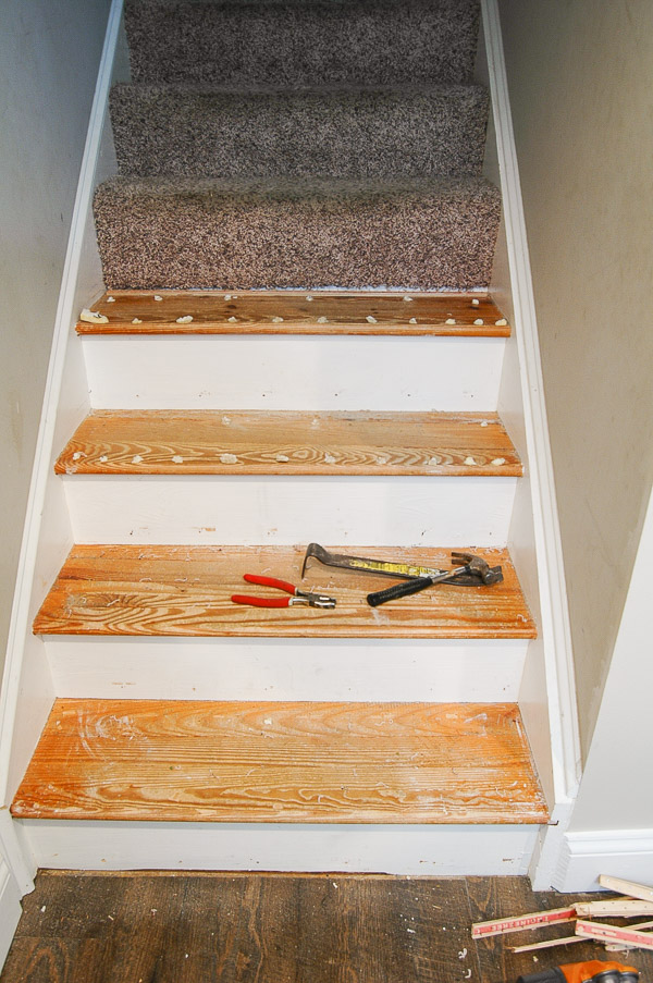 Removing carpet from basement stairs
