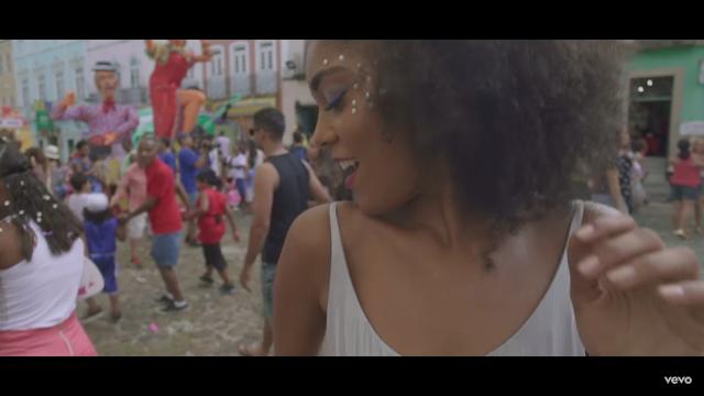"""""""Baiana"""" é novo clipe do Emicida com participação do Caetano Veloso"""