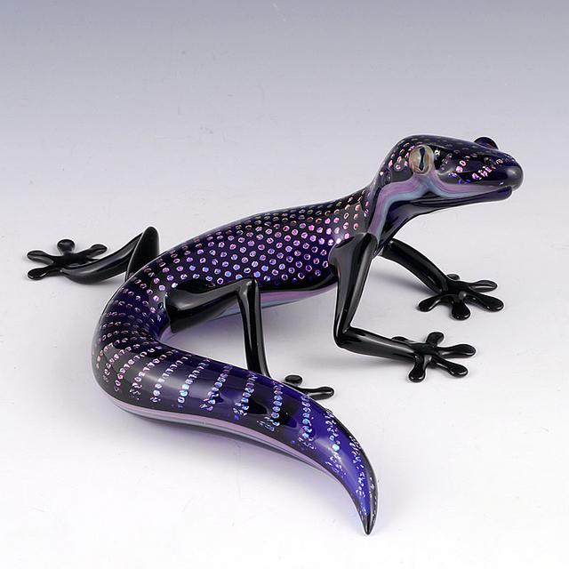 03-Gecko-Lizard-Scott-Bisson-Glass-Sea-and-Land-Animals-www-designstack-co