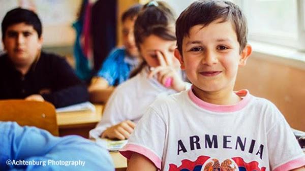 Armenia cierra por 10 días las escuelas